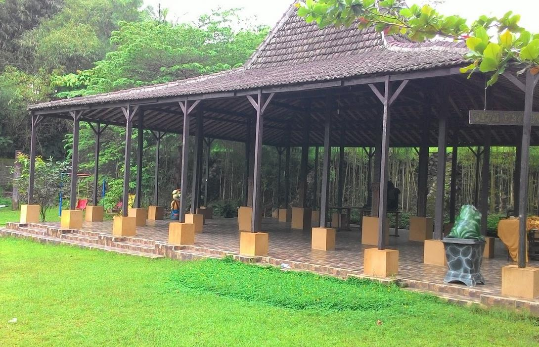 Pendopo Fountain Ungaran Semarang Water Park Kab