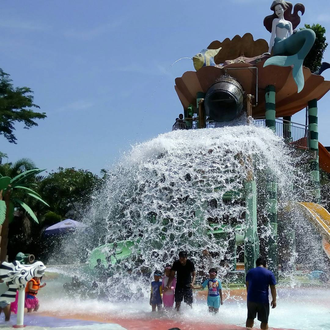 Peta Lokasi Harga Tiket Masuk Citra Garden Waterpark Sidoarjo Fountain