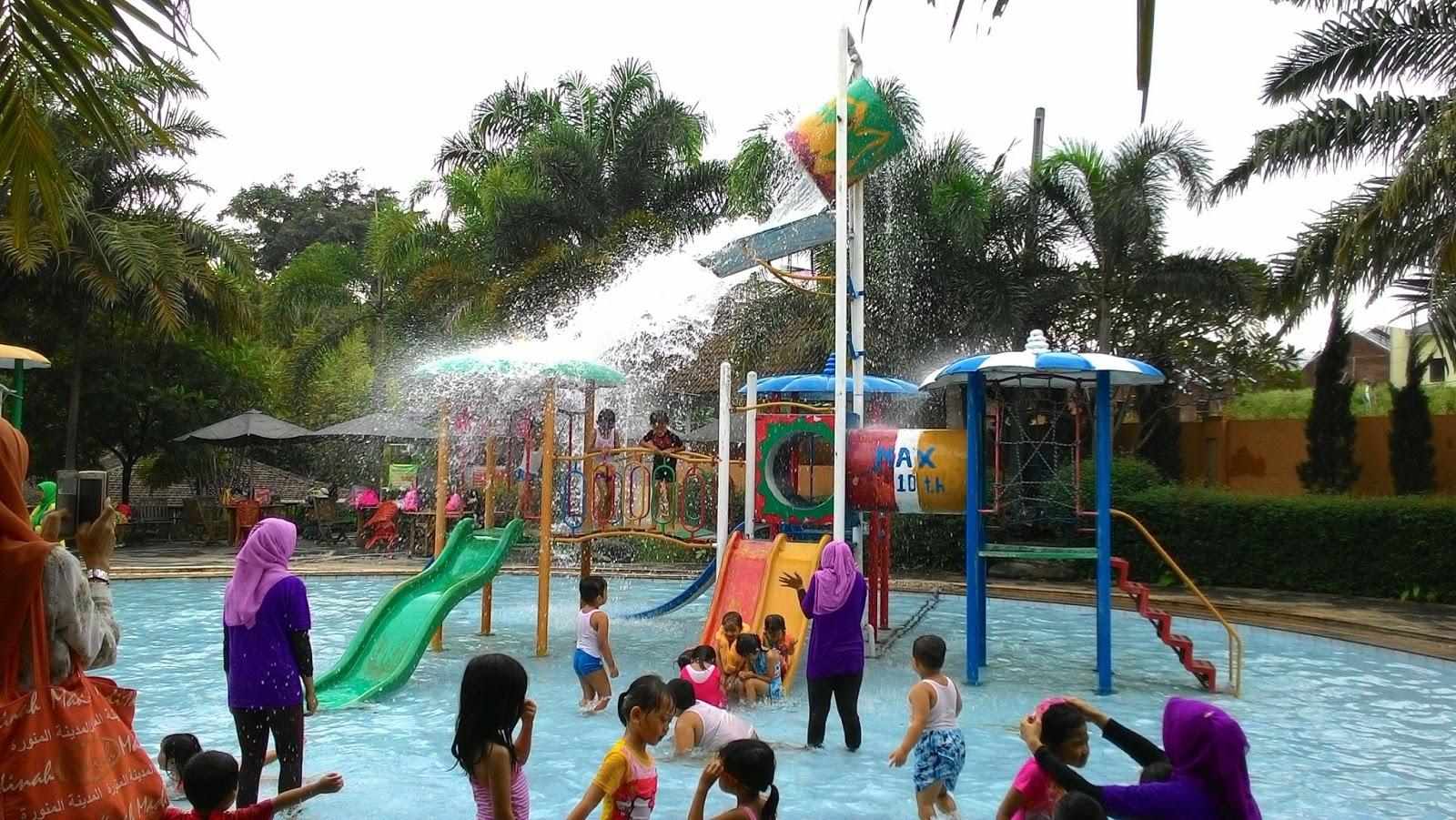 Semarang Coret Asyik Masyuk Berendam Fountain Waterpark Ungaran Water Park