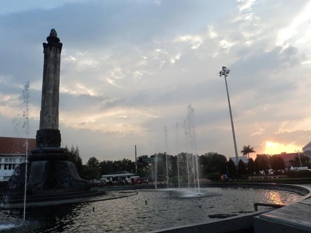 Darwance Law Bertemu Sunset Cantik Tugu Muda Semarang Kab