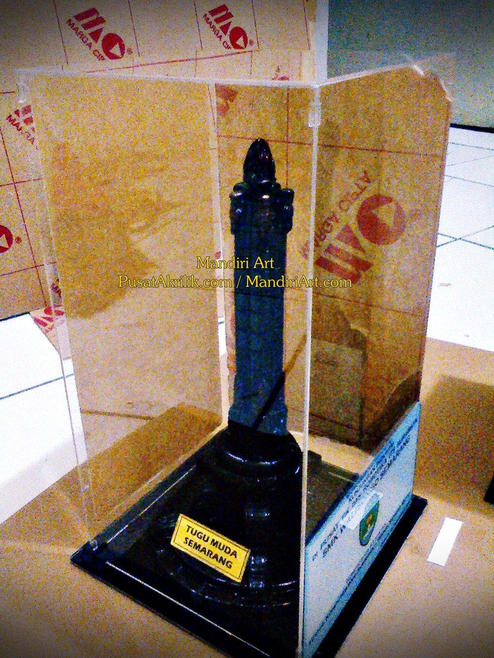 Jual Souvenir Khas Semarang Miniatur Tugu Muda Lapak Mandiri Kab
