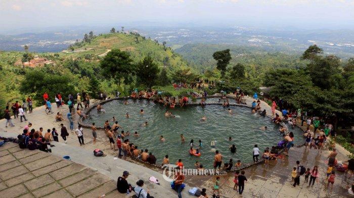 Berenang Umbul Sidomukti Memandang Kota Semarang Ketinggian Kab