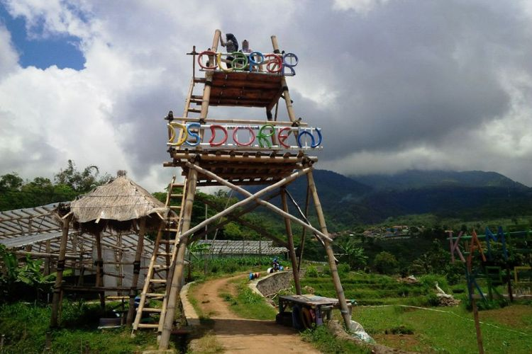 Kampung Krisan Clapar Keindahan Kebun Bunga Kaki Gunung Ungaran Gardu