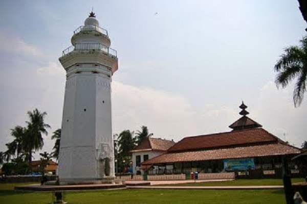 5 Masjid Tua Bersejarah Banten Merahputih Masyarakat Sekitar Meyakini Pendirian