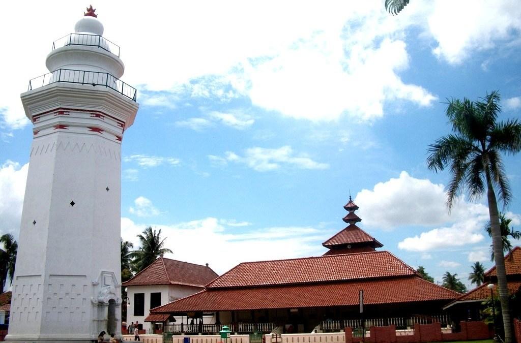Dibalik 24 Tiang Masjid Agung Banten Makna Kab Serang