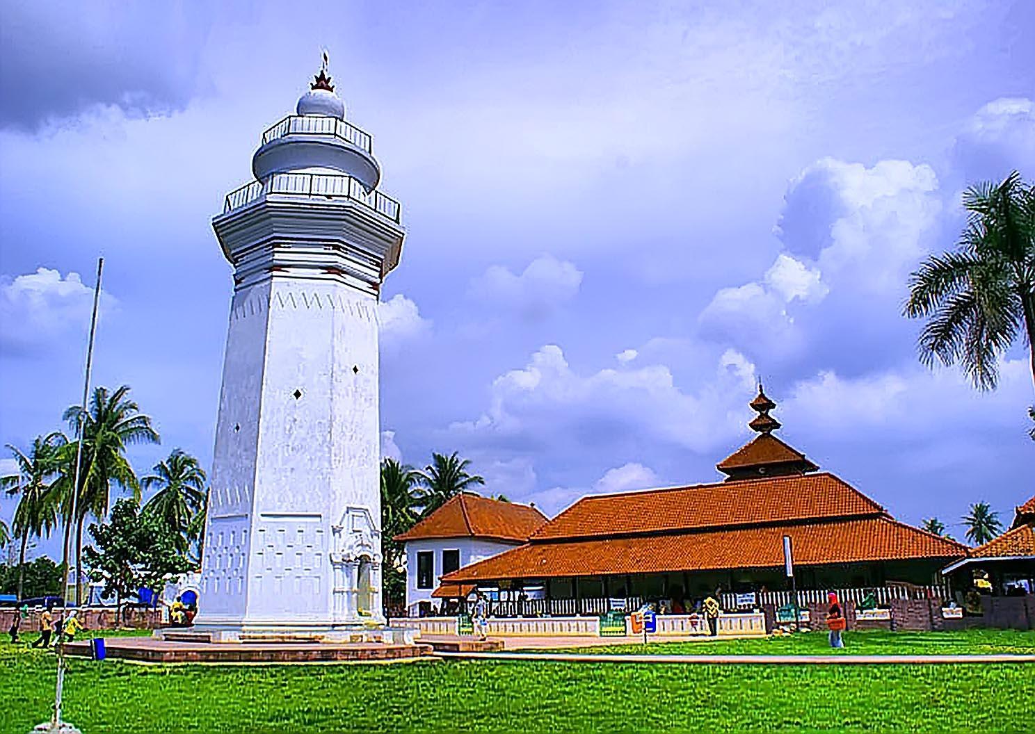 Hendrik Lucaszoon Cardael Membangun Masjid Agung Banten Sportourism Kab Serang