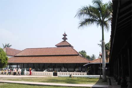 Keunikan Masjid Agung Banten Osis Smkin Kab Serang
