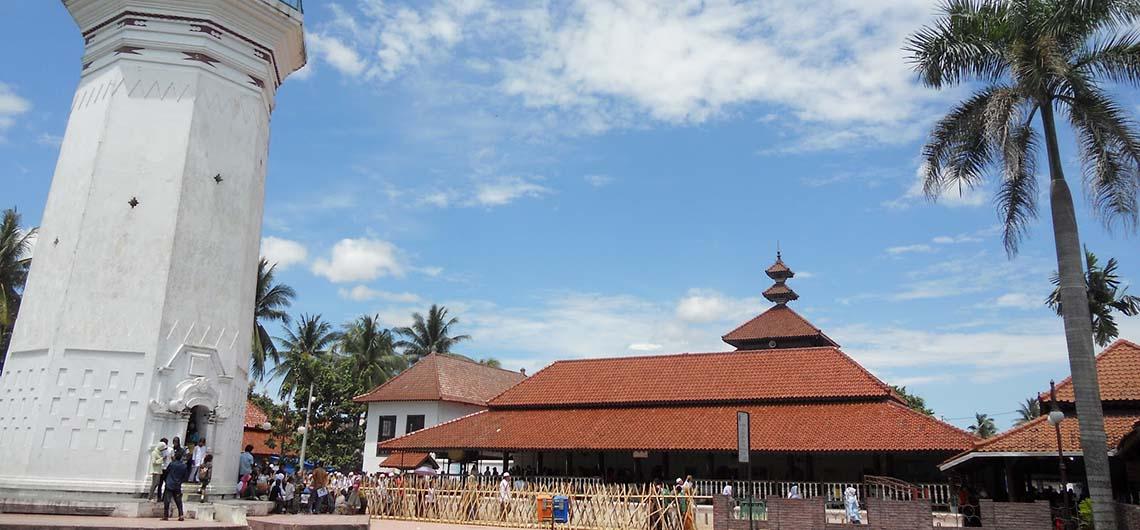 Masjid Agung Banten Keindahan Wisata Religi Arsitektur Kuno Kab Serang