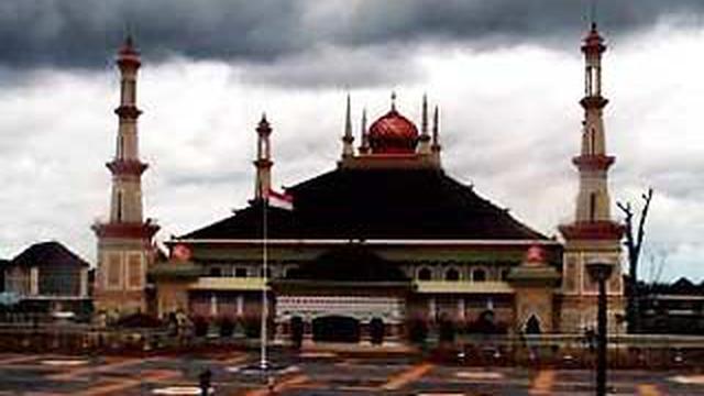 Mengitip Megahnya Masjid Agung Serang News Liputan6 120720bmasjid Jpg Banten