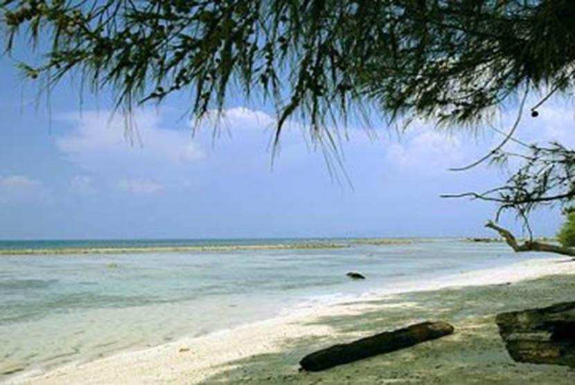 Pantai Anyer Carita Jadi Tempat Favorit Rayakan Pergantian Obyek Wisata