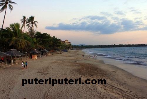 Pantai Anyer Primadona Liburan Puteriputeri Kab Serang