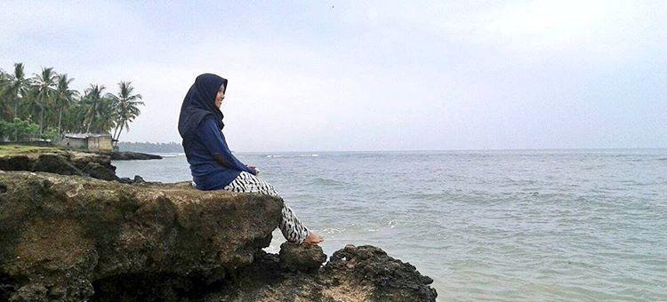 10 Tempat Wisata Alam Banten Populer Singgahi Pantai Cibeureum Kab