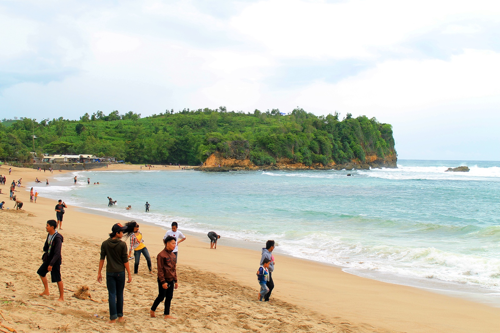 11 Pantai Indah Bisa Kamu Jelajahi Blitar Yuk Piknik Featured
