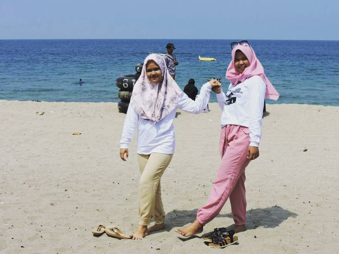 5 Pantai Terpopuler Anyer Banten Sambolo Marina Kab Serang