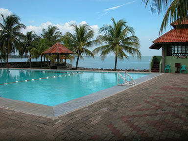 7 Tempat Wisata Pantai Anyer Indah Merasakan Wahana Olahraga Air