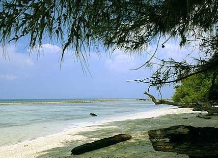Destinasti Objek Wisata Pantai Marina Anyer Cinangka Serang Keindahan Banten