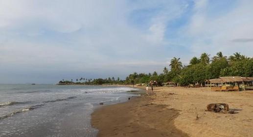 Destinasti Objek Wisata Pantai Pasir Putih Florida Anyer Serang Banten