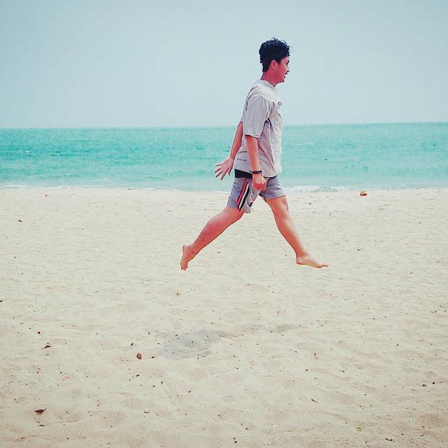 Kawasan Pantai Anyer Destinasi Populer Banten Foto Pasir Putih Sambolo