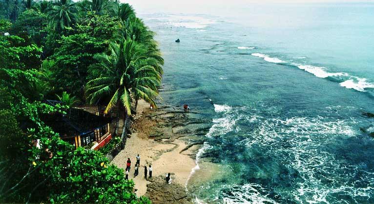 Lokasi Wisata Pantai Banten Patut Dikunjungi Pasir Putih Florida Kab
