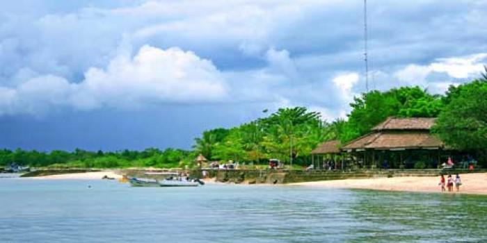 Menyisir Pantai Banten Selama Liburan Lebaran Pasir Putih Florida Kab