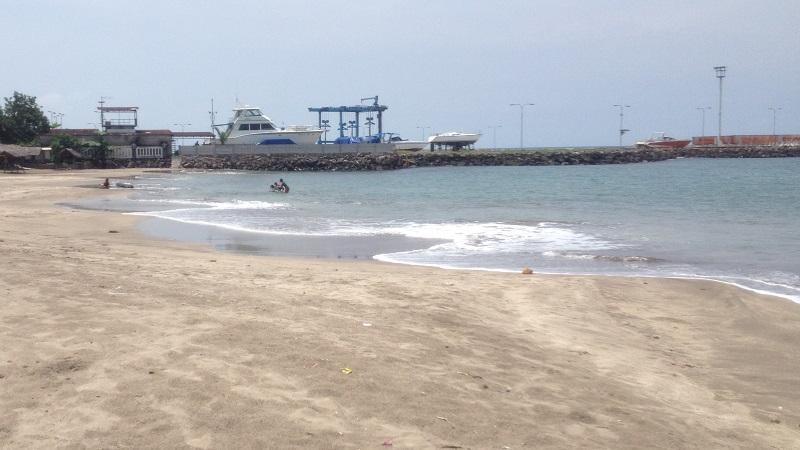 Wisata Pantai Batu Saung Teneng Banten Kecantikan Alami Jambu Pasir