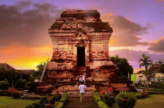 Obyek Wisata Sejarah Candi Pari Sidoarjo Kab