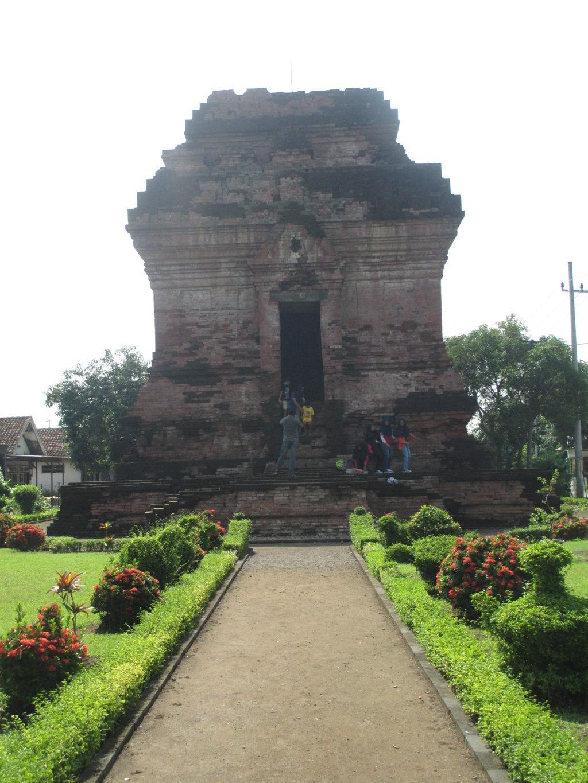 Wisata Sejarah Candi Pari Sumur Sidoarjo Rumah Maya Kab