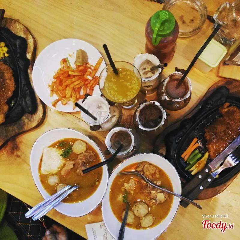 Kebun Coklat Cafe Balongbendo Surabaya Foody Id Ulasan Opini Subyektif