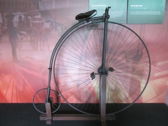 Koleksi Batu Picture Museum Mpu Tantular Surabaya Sepeda Antik Musium