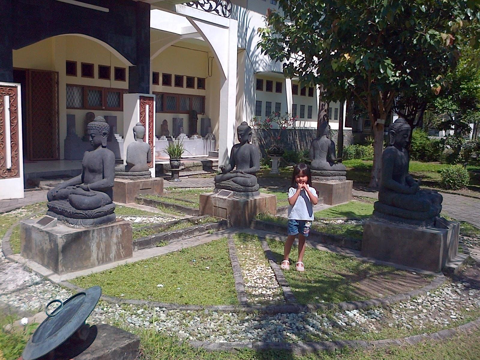 Mari Mengunjungi Museum Mpu Tantular Sidoarjo Halaman Depan Musium Kab