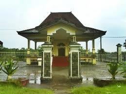 Makam Putri Ayu Dewi Sekardadu Wisata Sidoarjo Berada Tepat Dusun