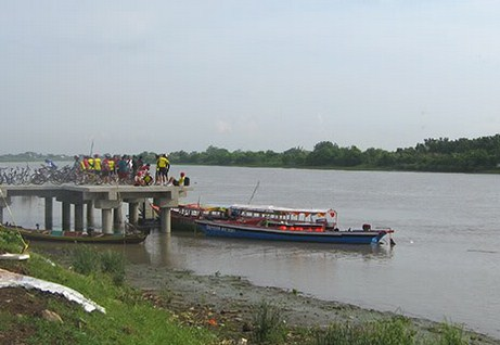 Pesona Keindahan Wisata Sungai Porong Sidoarjo Daftar Tempat Pantai Kepetingan