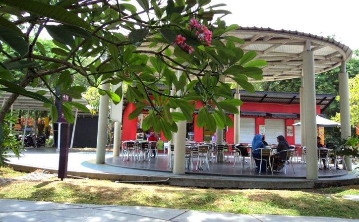 Pazkul Kahuripan Pusat Wisata Kuliner Sidoarjo Berkonsep Green Front Inn