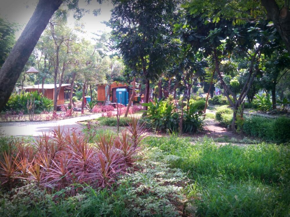 Sinichinet Tempat Rekreasi Taman Kota Paru Berlibur Surabaya Abhirama Kab