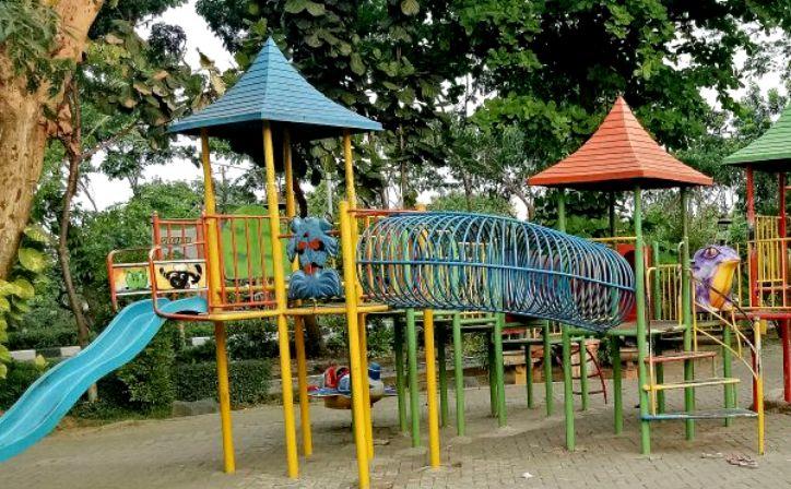 Taman Abhirama Sidoarjo Berada Tengah Kota Cocok Wisata Keluarga Front