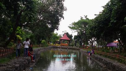 Taman Abhirama Sidoarjo Indah Gratis Pula Doyan Piknik Banget Kolam