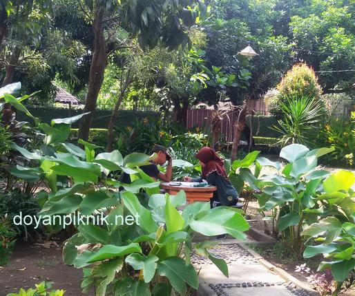 Taman Abhirama Sidoarjo Indah Gratis Pula Doyan Piknik Banget Pelajar