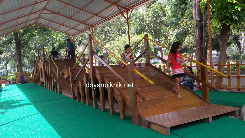 Taman Abhirama Sidoarjo Indah Gratis Pula Doyan Piknik Banget Salah