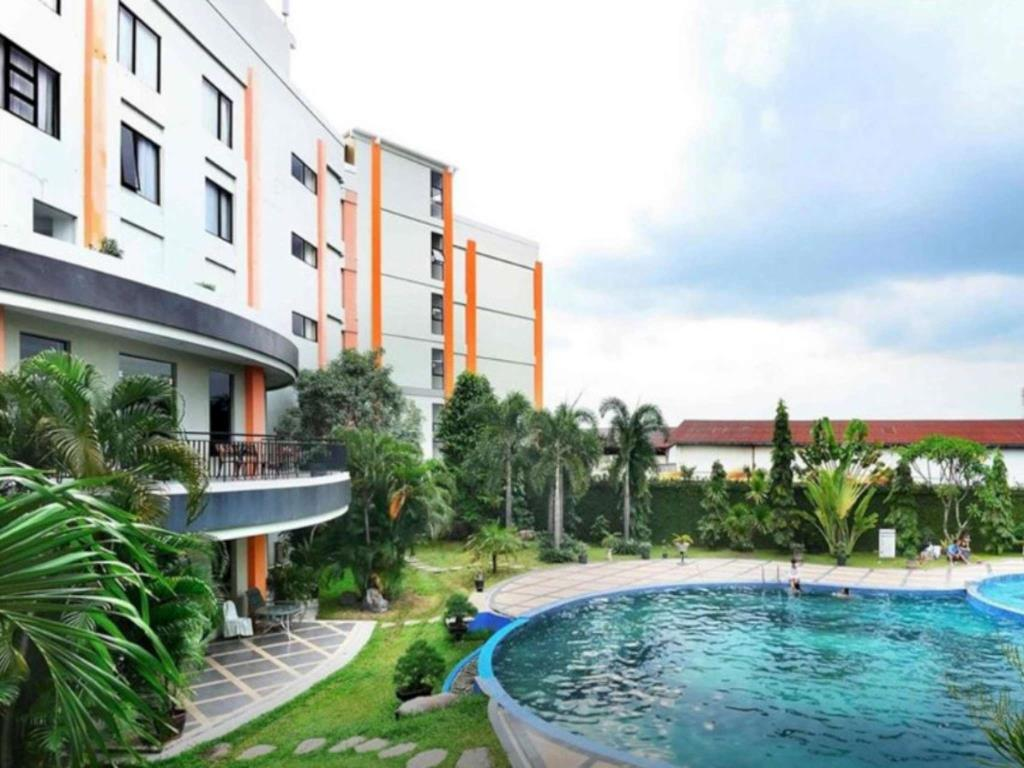 Price Sun Hotel Sidoarjo Surabaya Reviews Taman Air Suncity Kab