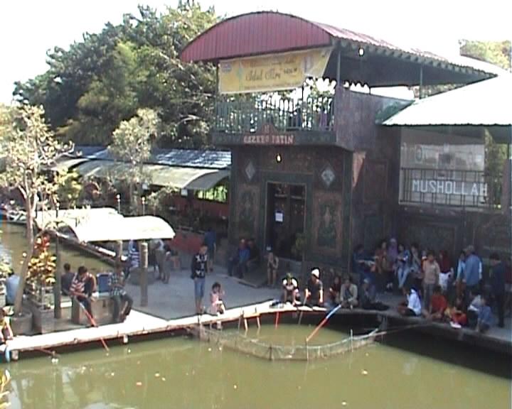 Libur Lebaran Ribuan Wisatawan Lokal Padati Tempat Wisata Delta Fishing