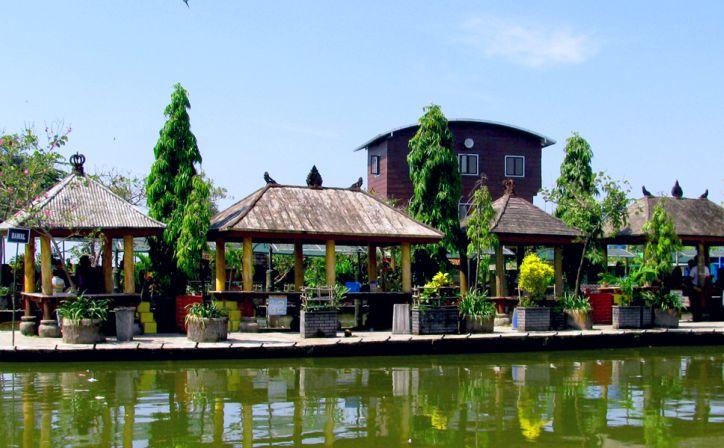 Wisata Keluarga Menyenangkan Pemancingan Delta Fishing Sidoarjo Front Inn Tempat