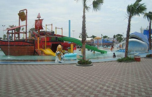 Pesona Keindahan Destinasi Wisata Gerbang Mas Bahari Waterpark Margadana Tegal