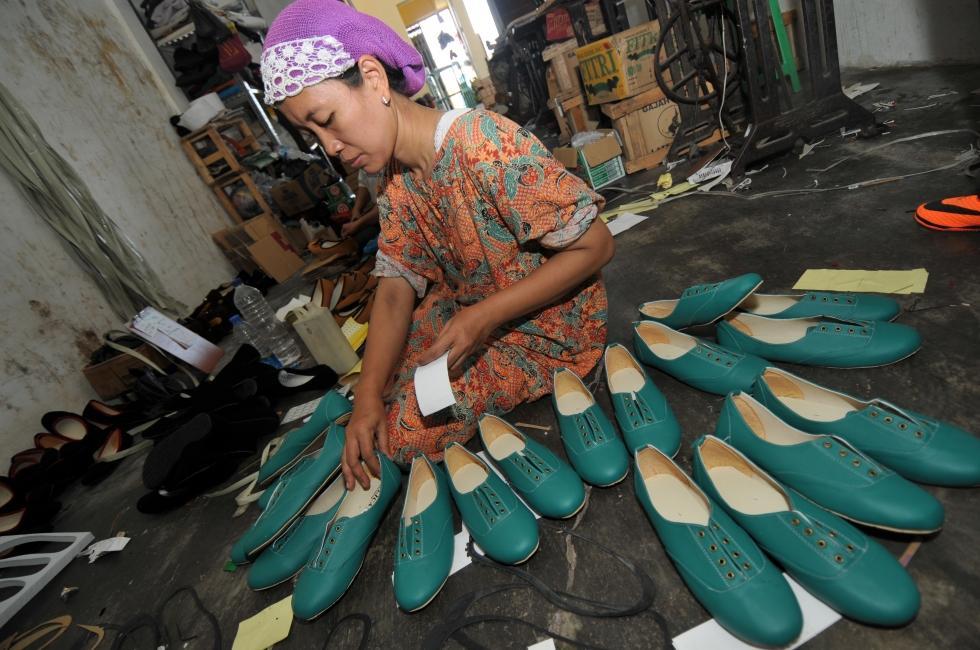 Lionmag Wisata Kampung Sepatu Krian Kab Sidoarjo
