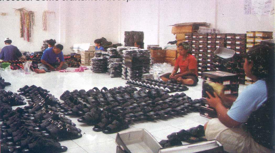 Sepatul Sandal Produksi Kota Mojokerto Pusaka Jawatimuran Bisa Mendapatkan Sepatu