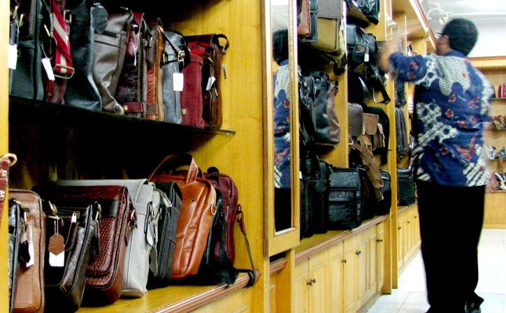 Shopping Archives Front Inn Sidoarjo Wisata Belanja Tas Kulit Asli