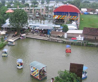 Tempat Wisata Info Sidoarjo Kampung Sepatu Krian Kab