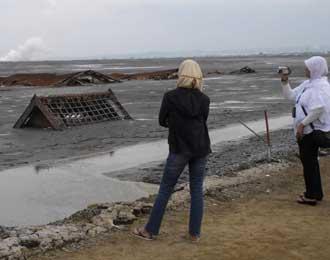 Bencana Membawa Berkah Wisata Lumpur Lapindo Alteranatif Alam Siapa Pun
