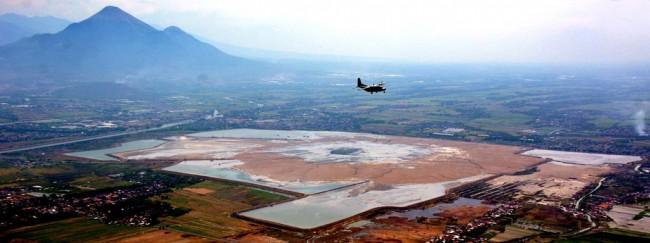 Daerah Tanggul Penahan Lumpur Lapindo Bocor Wisata Kab Sidoarjo