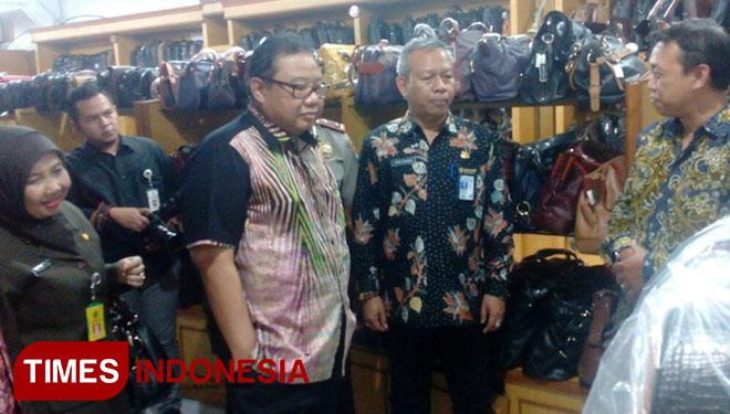 Produk Intako Sidoarjo Ekspor Perdana Italia Times Indonesia Menteri Koperasi