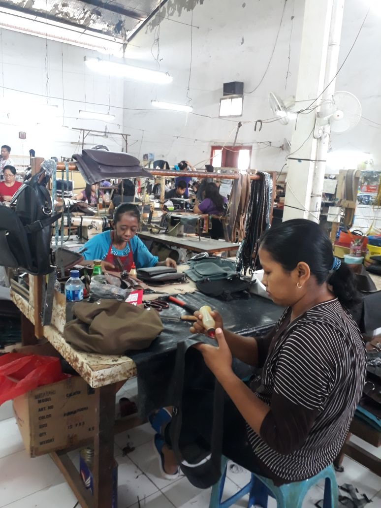 Sidoarjo Jangan Lupa Sentra Kerajinan Kulit Shnet Wisata Produksi Tas